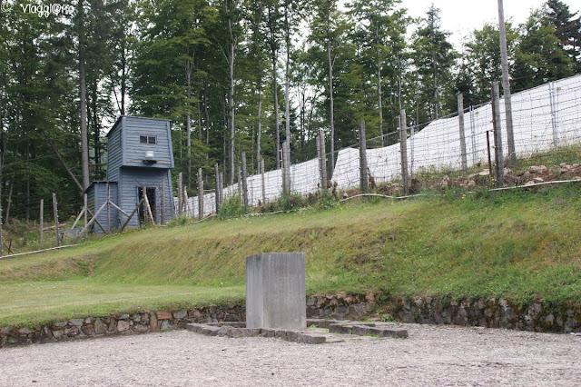 Il filo spinato, recinzione del Campo di Concentramento di Natzweiler-Struthof