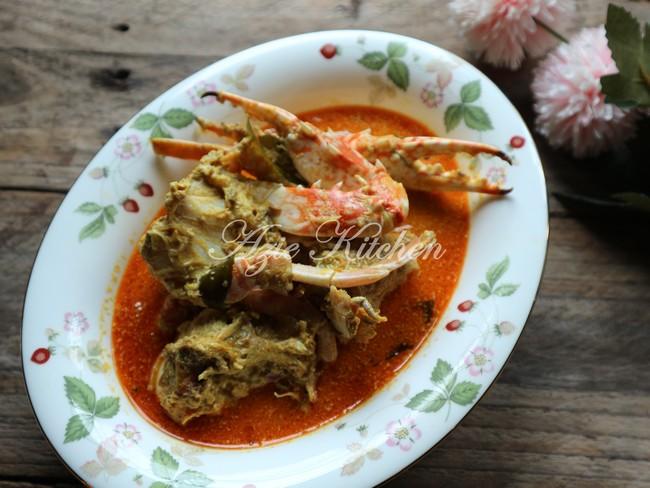 Kari Ketam Azie Kitchen