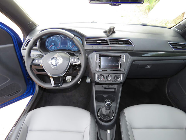 VW Saveiro Cross Cabine Dupla 2017 - interior