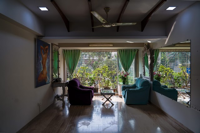 3BHK Apartment for rent at Bandra | Semi Furnished