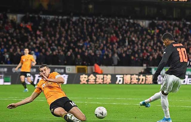 """Video Wolves 0-0 MU: Tiếc nuối xà ngang, thoát hiểm nhờ """"người nhện"""" 2"""