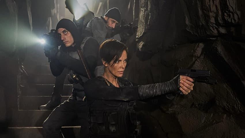 Netflix показал финальный трейлер кинокомикса «Бессмертная гвардия» («Старая гвардия»)
