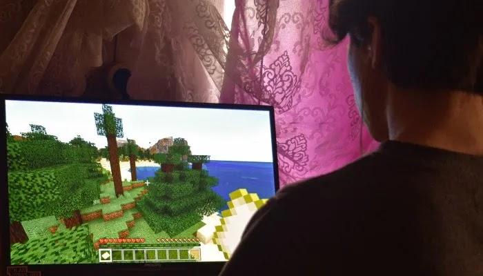 ألعاب شاشة الكمبيوتر المحمول