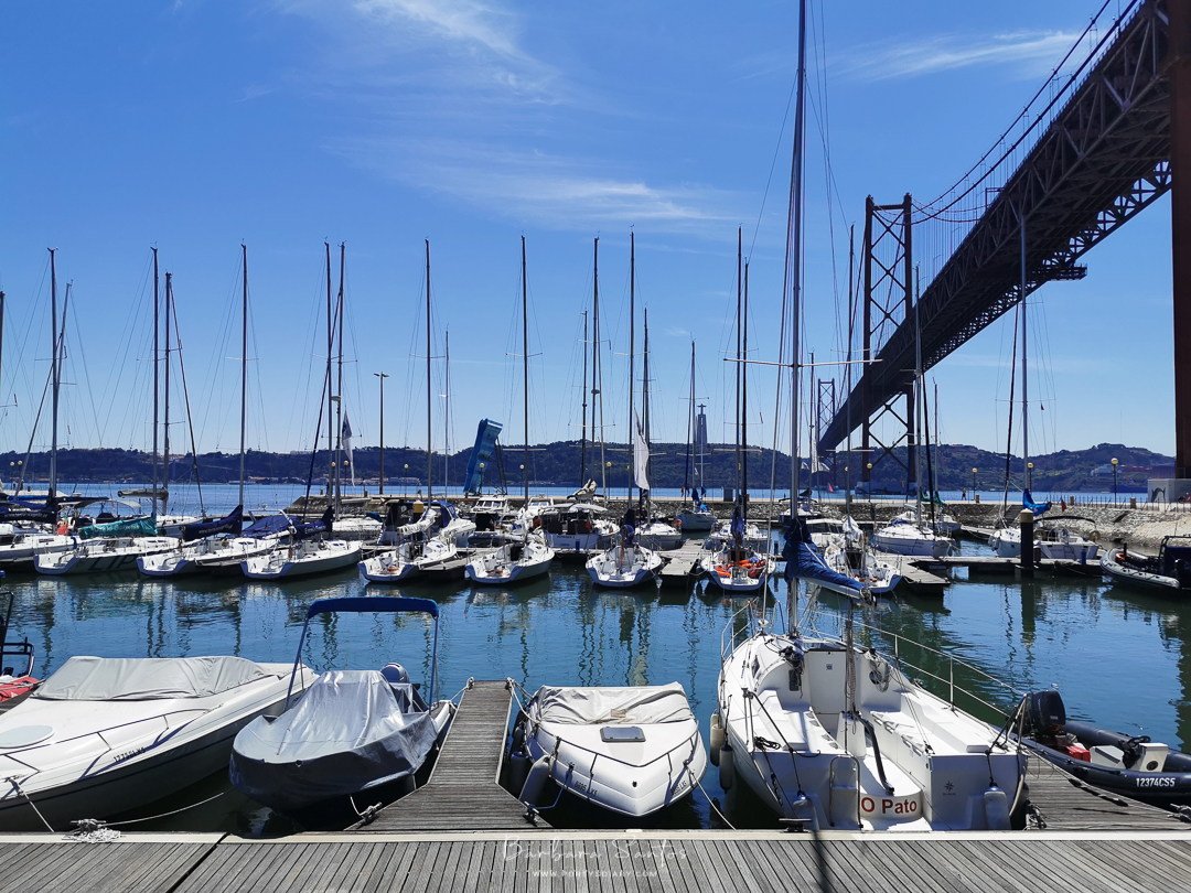 Docs view and 25th April Bridge, Lisbon, Portugal. All photos by Barbara Santos (Huawei P30 Pro).