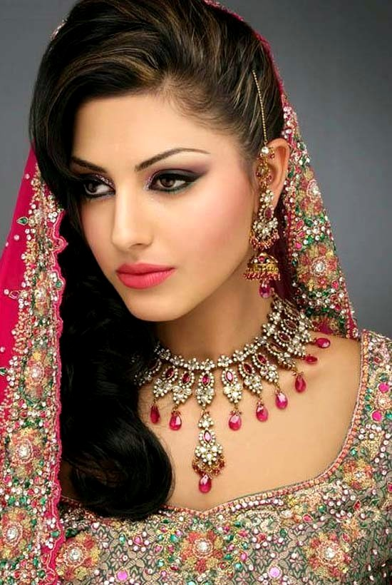 Perfect Hair Styles For Party Occasions