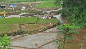 Petani: Galian C di Tulakan Penyebab Tanggul Jebol