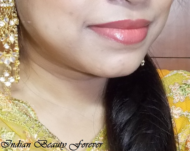 Elle 18 Juicy Lip balm In juicy berry review shades swatches
