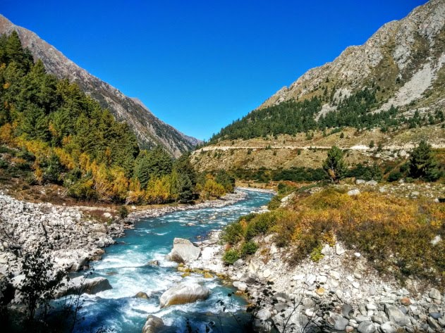 Trekking from Chitkul to Sangla along the Baspa river is so much fun