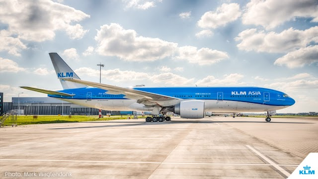 In Photos: Parked KLM Planes Turn AMS into a Sea of Blue