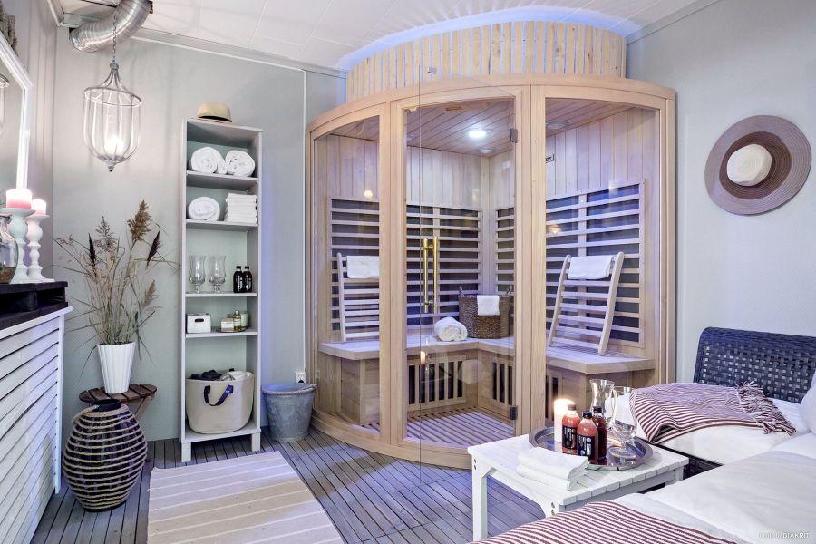 Drewniany domek w bieli i szarościach, wystrój wnętrz, wnętrza, urządzanie mieszkania, dom, home decor, dekoracje, aranżacje, scandi, styl skandynawski, scandinavian style, sauna
