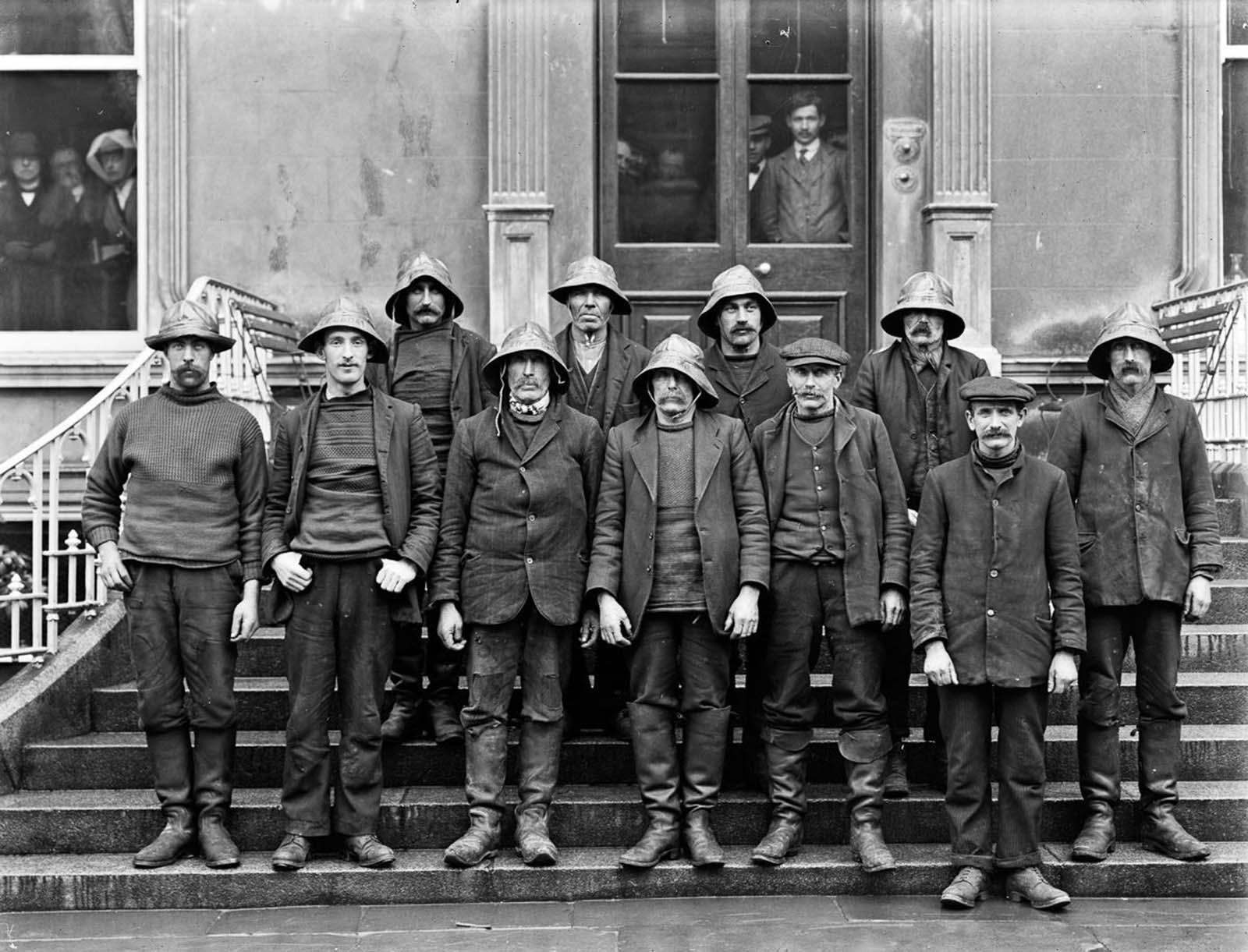 Lifeboat men. 1914.