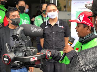 Sambut Hari Pelanggan Nasional, Astra Motor Bagikan Sembako Ke Ojek Online