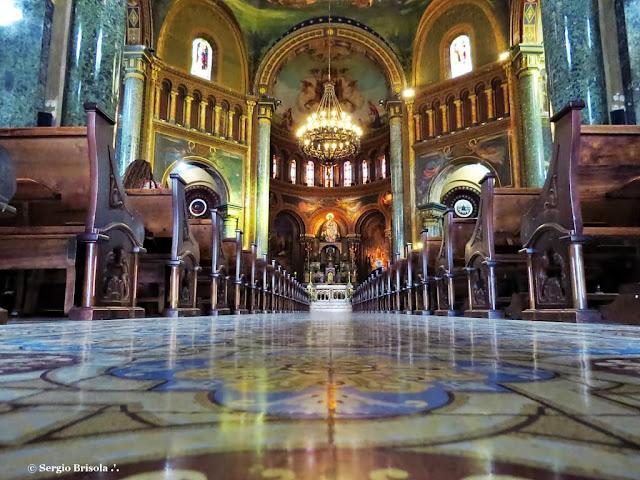 Vista do interior da Paróquia Nossa Senhora da Consolação - São Paulo