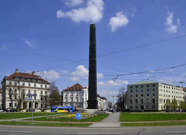 Karolinenplatz em Munique