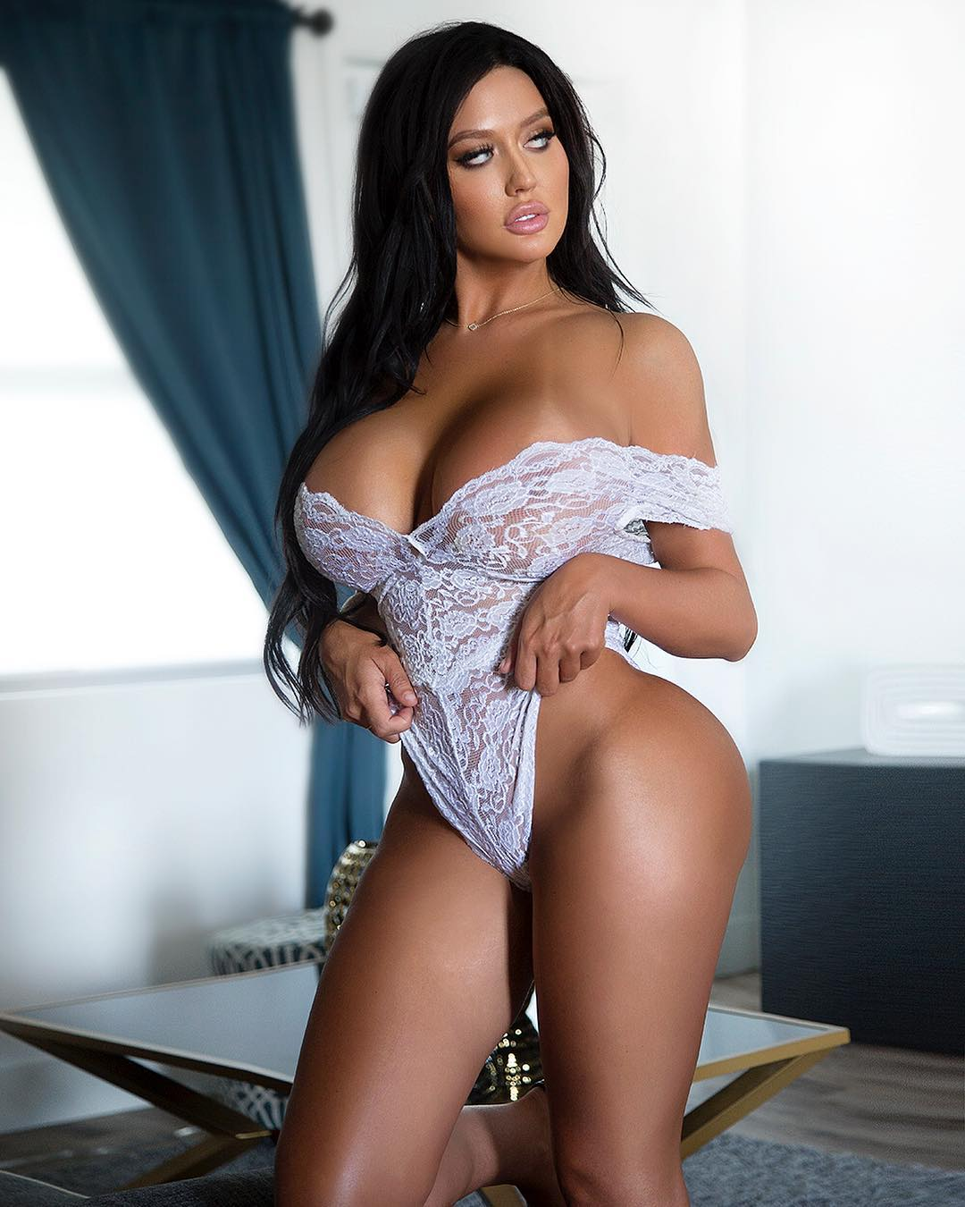 Becky Hudson Hot Pics | Picture Perfect