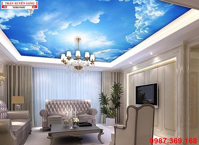 Mẫu thiết kế trần xuyên sáng in bầu trời dành cho phòng khách biệt thự cổ điển