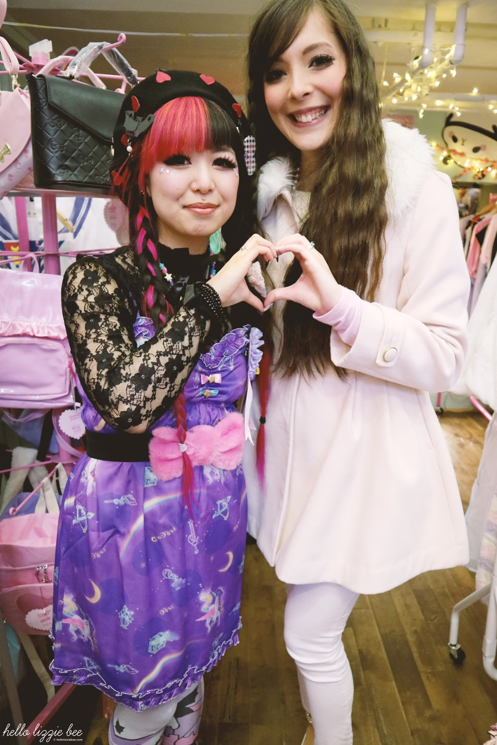 kawaii fashion, shop staff, dreamy bows, wai-yi