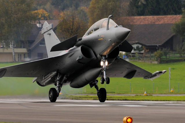 Navigator accidentally ejected from French Rafale fighter jet
