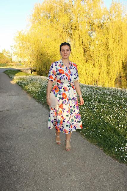 robe sézane fleurie, look du jour, pochette minelli, sandales minelli, les petites bulles de ma vie