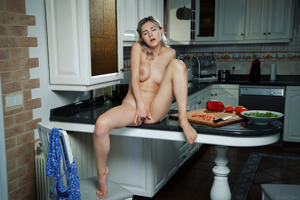 7063240532 [Sex-Art] Eva Elfie - Cooking