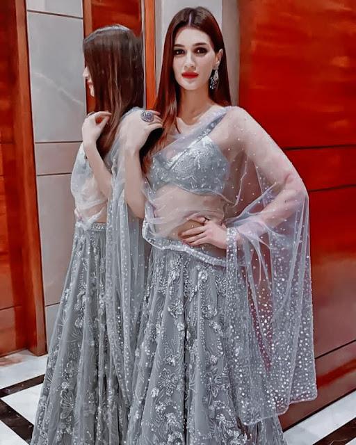 Kriti Sanon Sexy Facebook Photos Navel Queens
