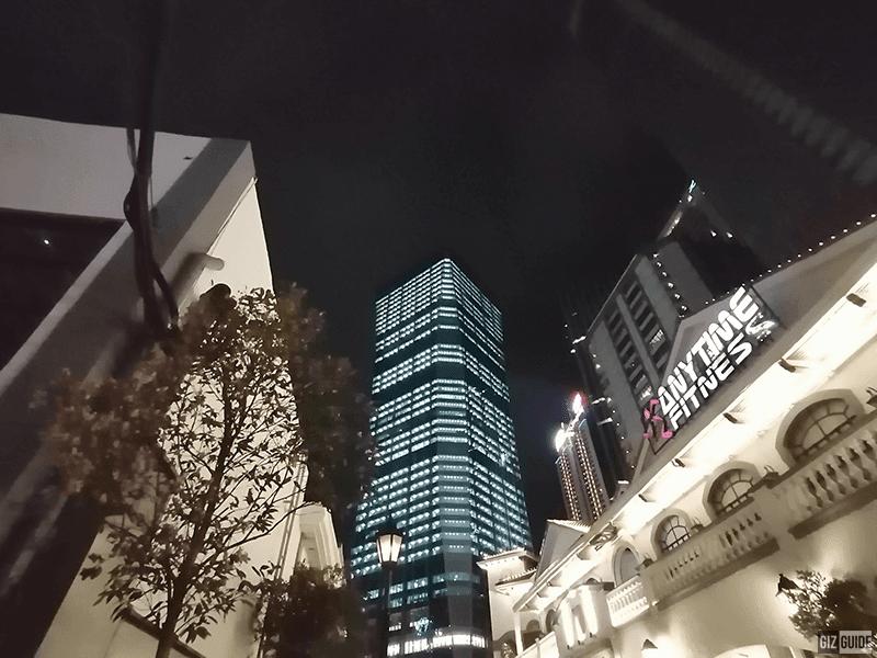 Low light ultra-wide