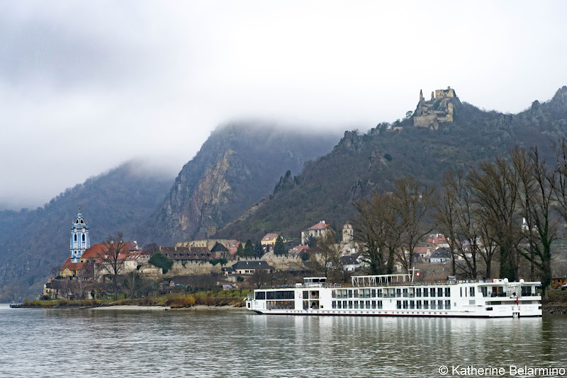 Review Viking River Cruises Ship in Wachau Valley