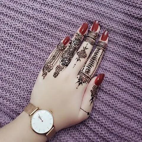 finger-mehndi-design-for-simple-girls