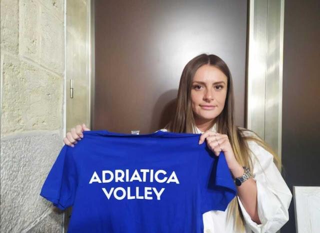 Pallavolo, la giocatrice albanese Denis Ndriollari contendente per la maglia azzurra d'Italia