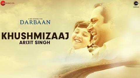 Khushmizaaj Lyrics in Hindi and English Fonts | Arijit Singh | Darbaan