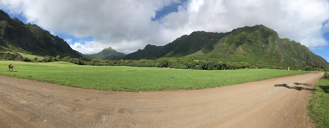 mama sahrang Jurassic Valley Kualoa Ranch