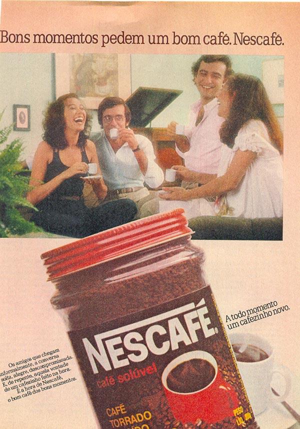 Propaganda do Nescafé nos anos 80 promovendo o consumo da bebida com encontro entre amigos.