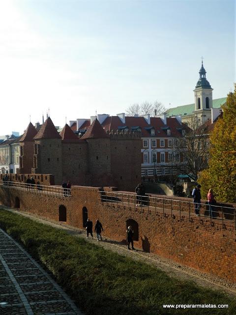 ruta por la ciudad vieja de Varsovia