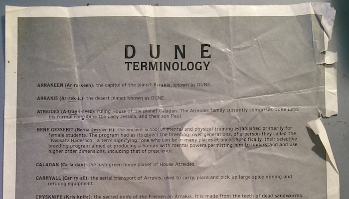 O glossário que o Universal Studios distribuiu ao primeiro público de Duna de David Lynch (1984)