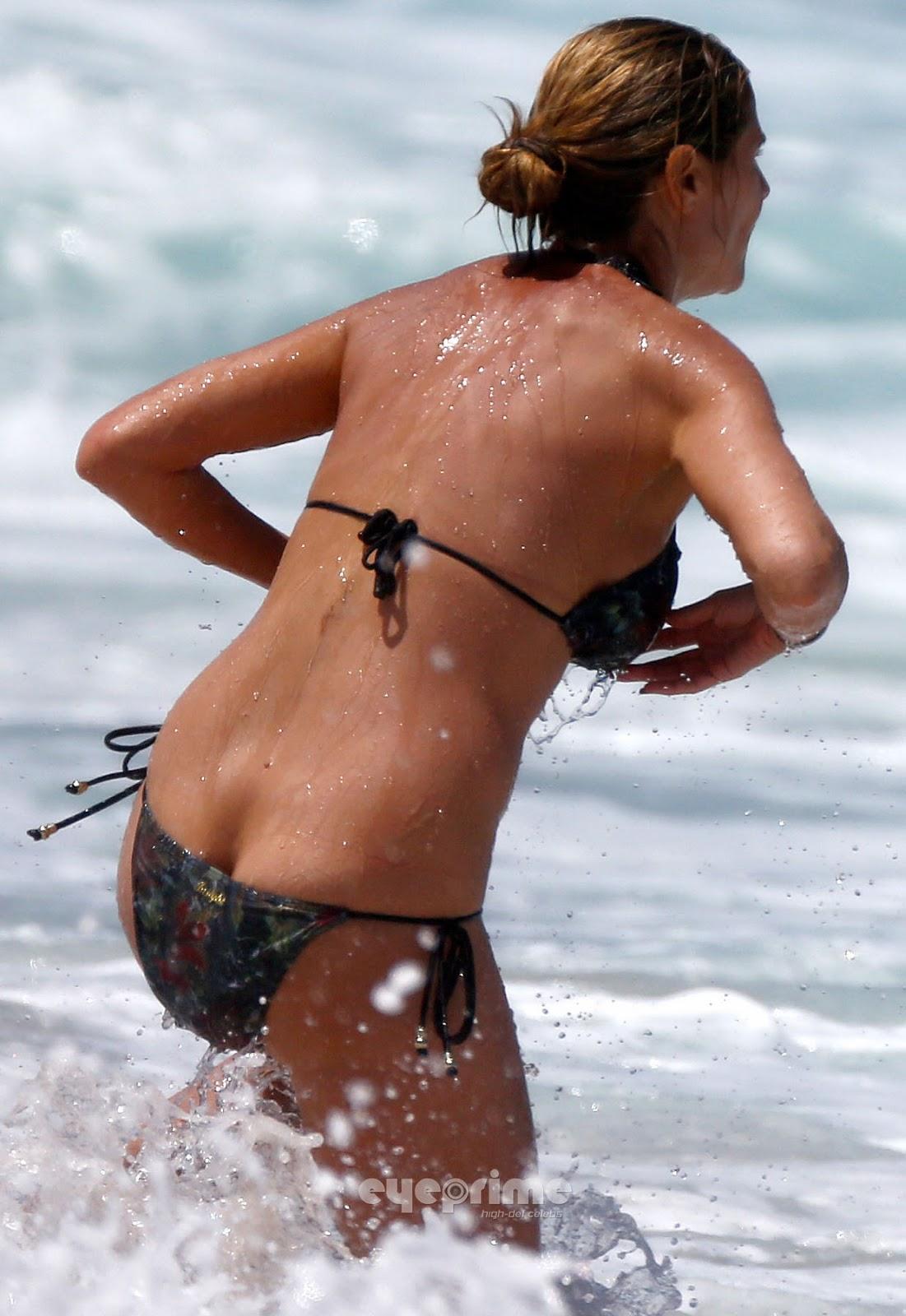 Heidi Klum Heidi Klum - Nipple Slip On The Beach In -3659
