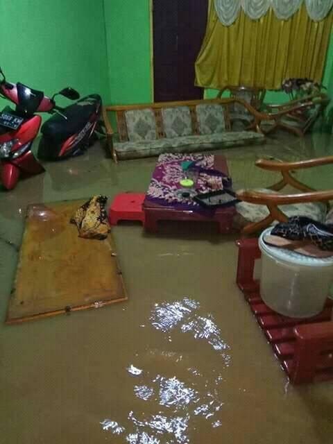 Hujan Seharian, Tanggul Sungai Jebol. Sejumlah Wilayah di Kebumen Kebanjiran
