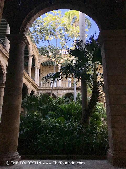 Palacio de los Capitanes Generales - courtyard detail Museum de la Ciudad