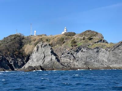 遊覧船から見た石廊崎灯台