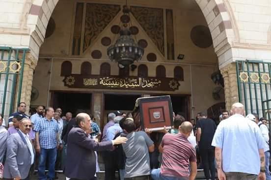 بالصور تشيع جثمان الفنان عزت أبو عوف من السيدة نفيسة