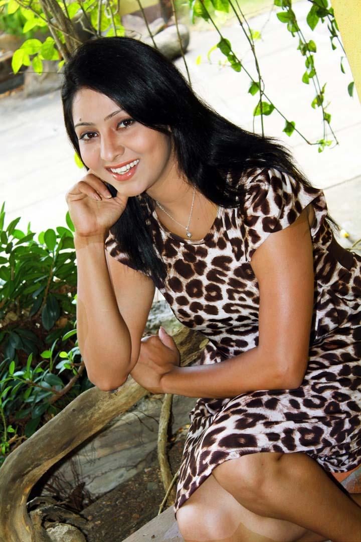 Pictures of model in sri lanka: udayanthi kulathunga