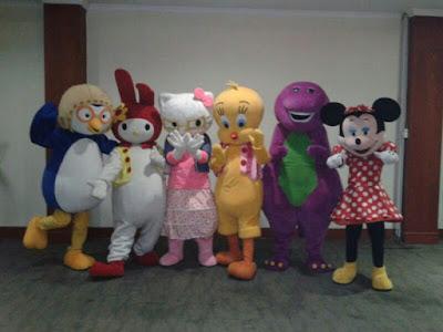 Kostum badut ultah Mickey mouse, barney, hello kitty, pororo, badut karakter