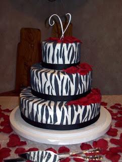 gambar kue ulang tahun 3 tingkat sederhana