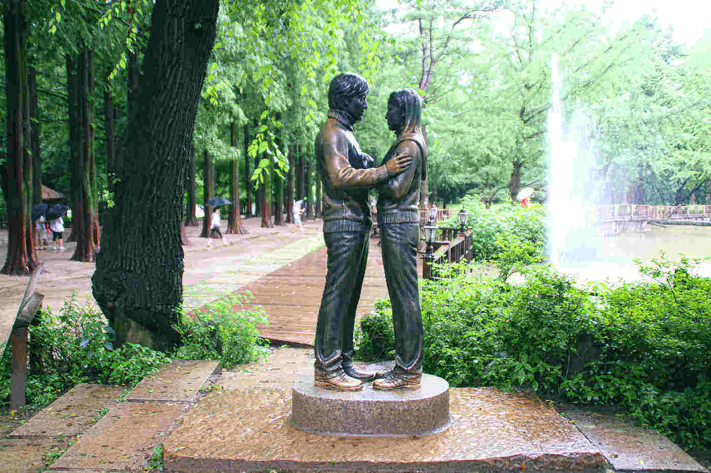 winter sonata statue - all about nami island