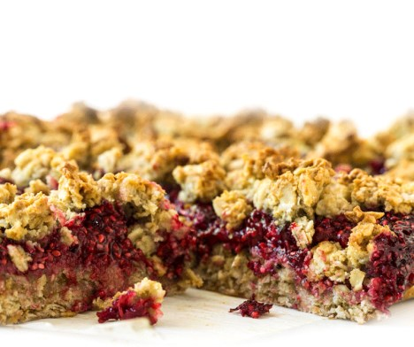 Raspberry Chia Seed Jam Oat Crumble Squares (Vegan + Gluten-Free) #desserts #healthy