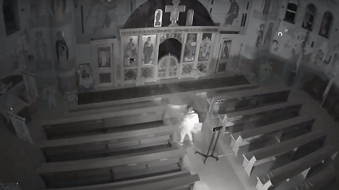 Rács mögé kerülhet a gödöllői templomrongáló