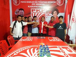 Timses Rekan Daftarkan Pak Dosen di PKPI