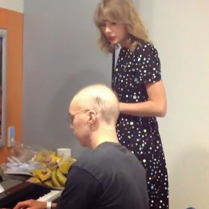 Nice one! Taylor Swift sings with a very sick fan