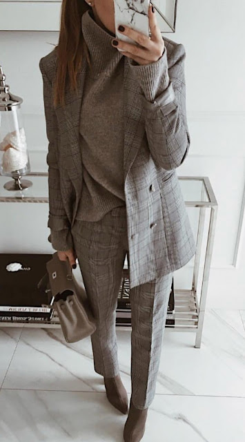 Modest Women Business Outfits Ideas for 2019