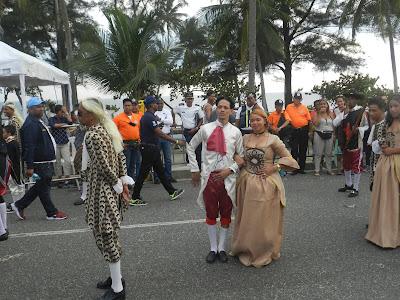 Comparsa Mi amada Francia obtiene el segundo lugar carnaval SDE