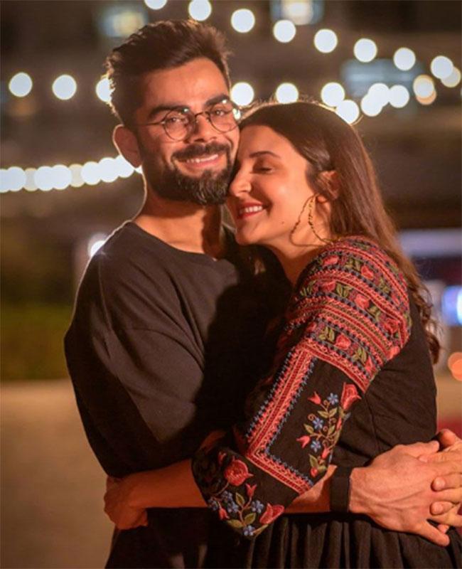 Pic Talk of the day: Virat Kohli Gets a stunning Kiss From Anushka Sharma On His Birthday?
